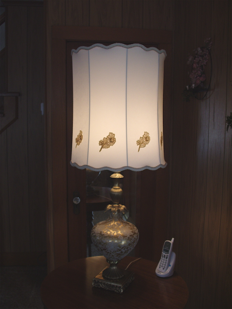 tall-scalloped-drum-shade-on-golden-base